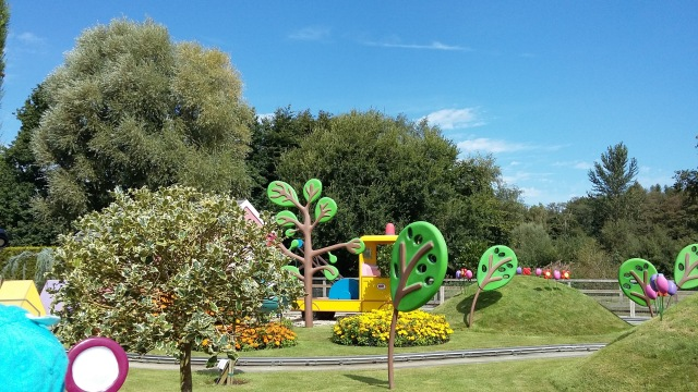 peppa-pig-world-trees-spookymrsgreen