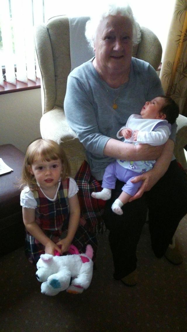 great-nanna-h-and-children-spookymrsgreen